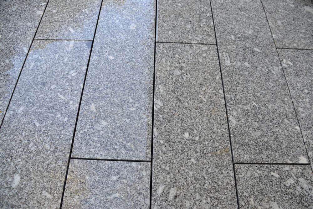 granite-plank-decking-wet-32